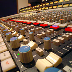 http://empiresoundstudio.com/wp-content/uploads/2013/08/Empire-Sound-Studio-Board-22-233.jpg