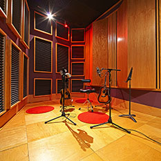 http://empiresoundstudio.com/wp-content/uploads/2013/08/Empire-Sound-Studio-Isolation11-233.jpg